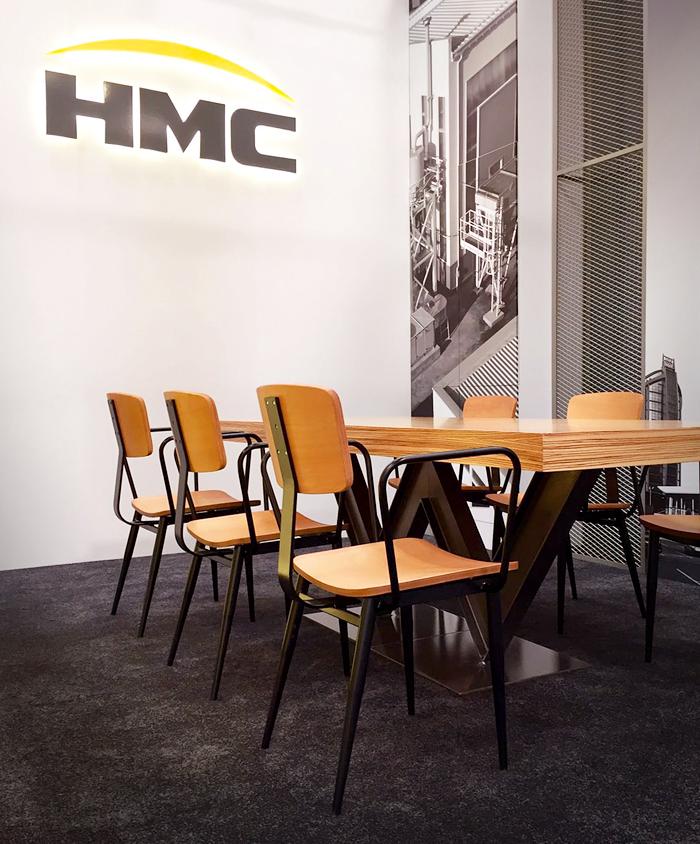 HMC-8-stand