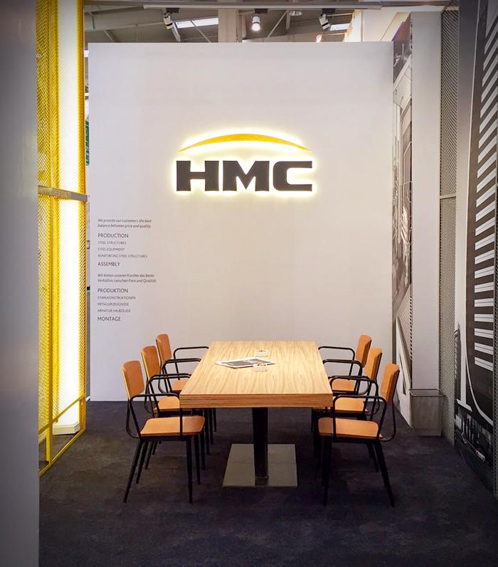 HMC-9-stand